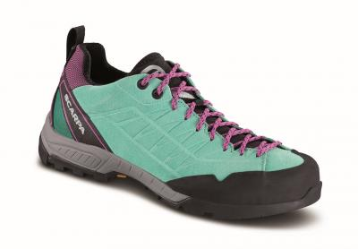 A ciascun escursionista la calzatura ideale per l'approach.