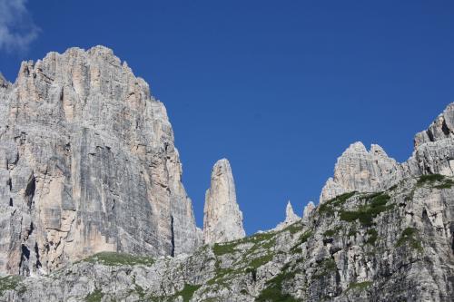 Suoni-delle-Dolomiti-rifugio-pedrotti-brunello-2014_ph_Apt-Dolomiti-Paganella