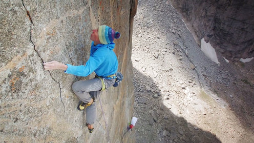 Nik Berry Cruises 5.13d Big Wall 'Sendero Luminoso' In Freezing Conditions | Operation Hooker, Ep. 3