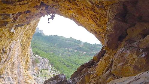 Andre Hedger - Climbing Without Sound | EpicTV Fresh Catch