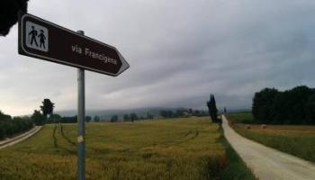 Sulla Via Francigena contromano... e contro i pregiudizi