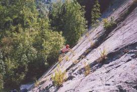 Un'immagine all'epoca della realizzazione dei primi itinerari -  trekkingapiedi.it
