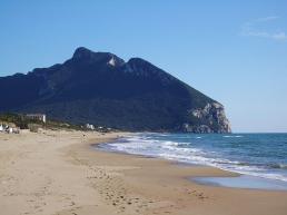 Circeo visto dalla spiaggia Sabaudia - Egnoka