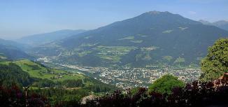 Vista panoramica verso il Sud da San Leonardo a Bressanone e la Valle Isarco - Laura1010