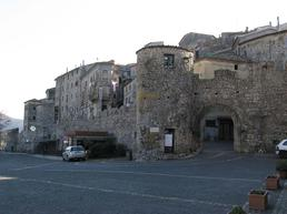 Bassiano - il paese - Google.it