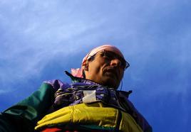 Pietro Placentino, alpiere scelto dell'esercito. Scalatore degli Amici di Ron. 18 ottobre 2013, dopo aver completato il progetto L. RON HUBBARD MULAZ CLIMBING ROUTE. In cima al torrione Mulaz - Resia (Ud). - Fondazione degli Amici di L. Ron Hubbard
