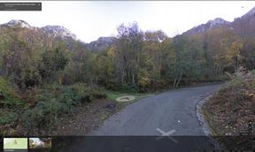 l'attacco del sentiero di accesso alla falesia scuola dei Briganti. In Viale della Rinascita , Postiglione (Sa) - direzione verticale / google maps